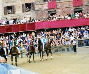 IL PALIO HORSE RACE IN SIENA