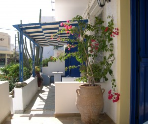 Typical Tinos accommodtion at Vincenzo's nice balconies
