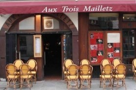 Aux trois mailletz on the Paris Left Bank, a fantastic jazz club operates till 5.00am daily