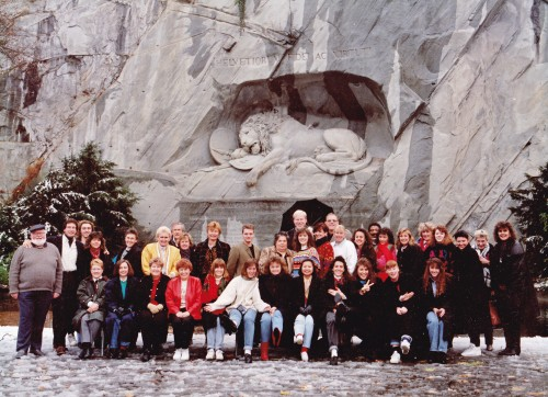 Insight Educational group in 1990, Tour escort Debrah Lawrence (second from left seated front) Insight Tour Manager Gary (second from left standing)