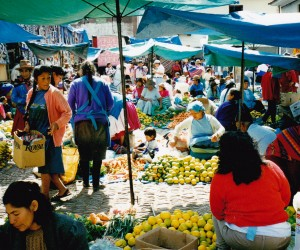Colourful markets at Ollantaytambo