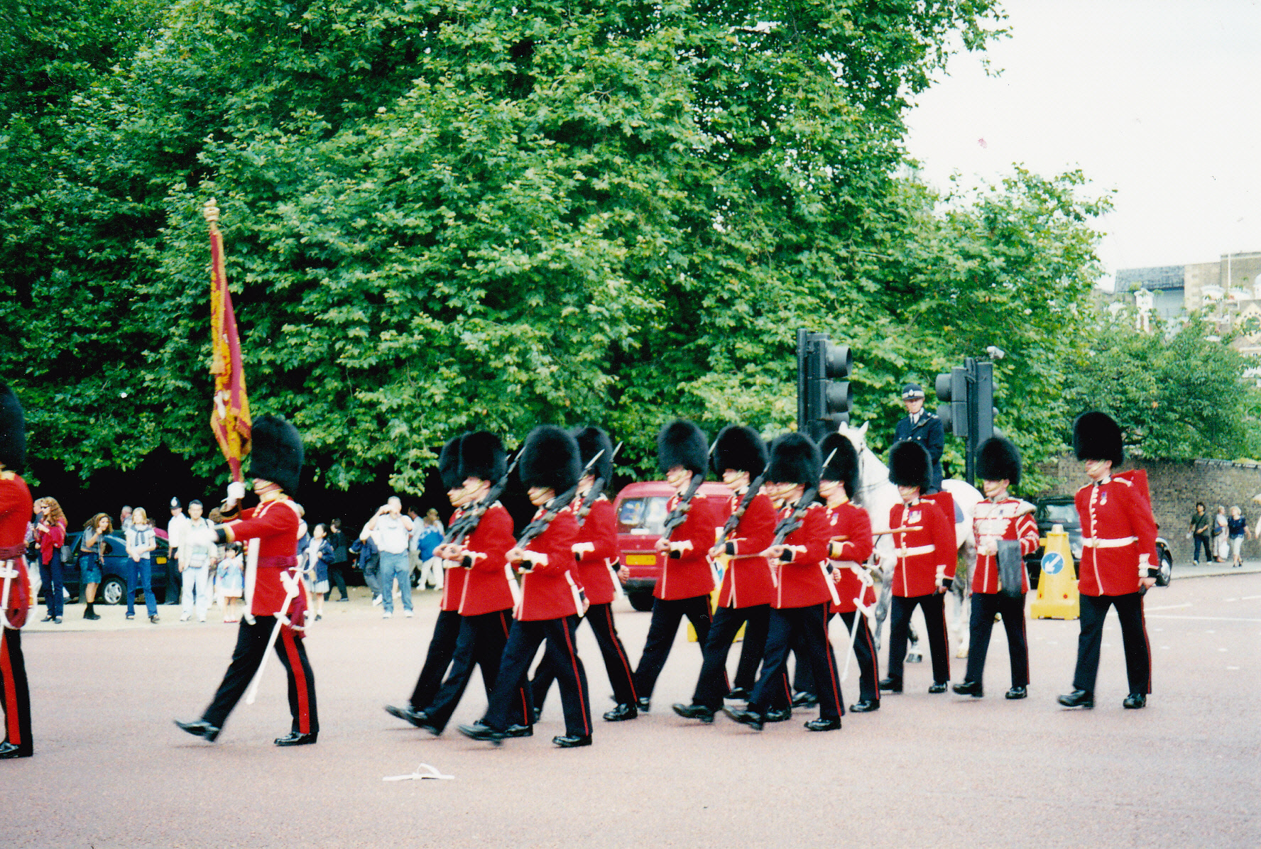 Queen's guard on parade outrside Buckingham Palace