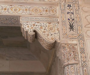 Beautiful workmanship on the buildings in Agra Fort