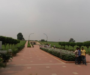 Incline to view the memorial to Mahatma Ghandi.