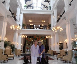 Singapore Raffles hotel in front foyer